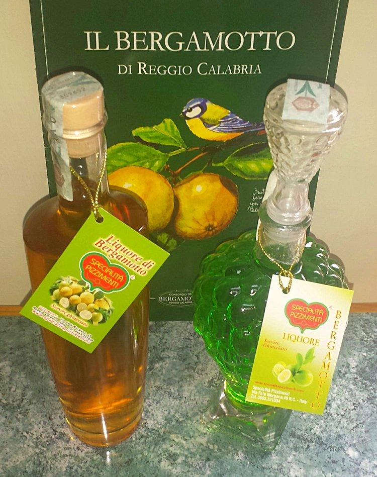 Bottiglie di liquore al Bergamotto