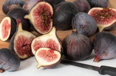 I fichi sono uno dei frutti più buoni e aiutano a prevenire il cancro.