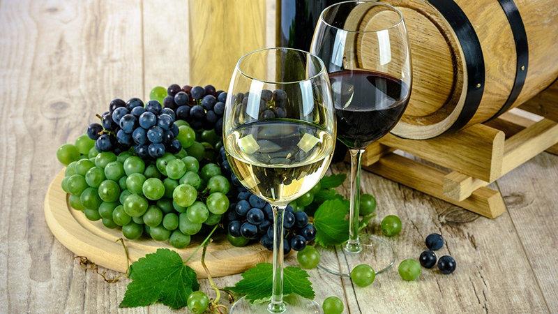 Il vino calabrese fa bene all'umore