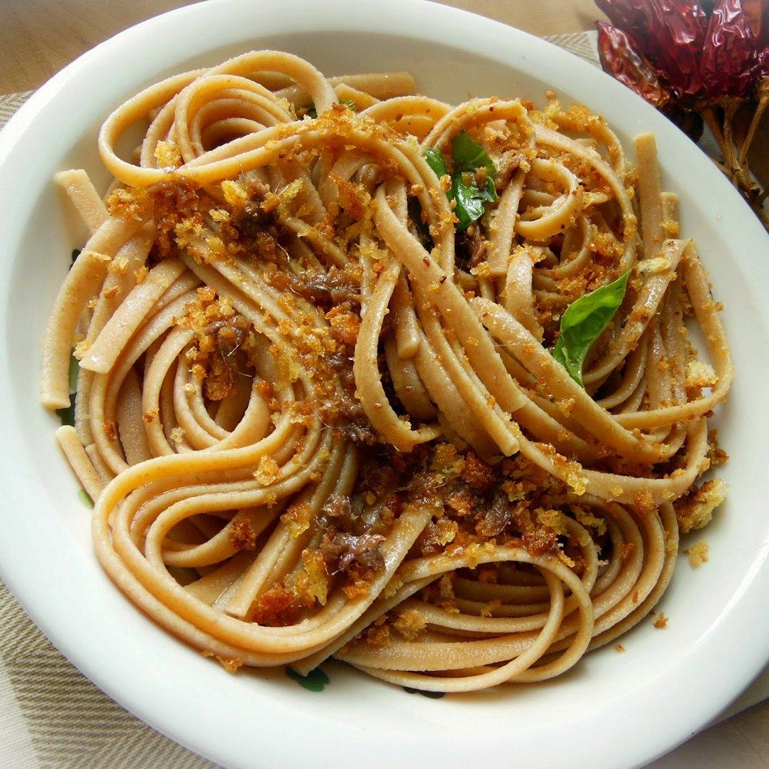 Ricetta Pasta Struncatura con mollica e alici