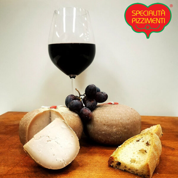 Formaggio Pecorino al Vino